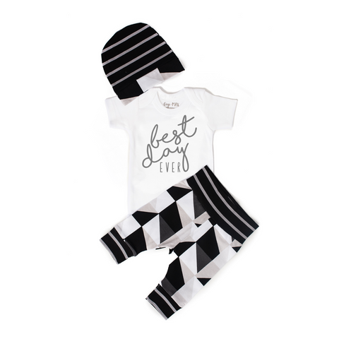 Best Day Ever Black and Gray Triangle Theme Newborn Outfit - Gigi and Max