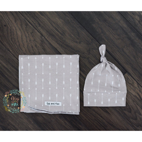 "Gray with White arrows Swaddle - 34""x34"" Gender Neutral -"