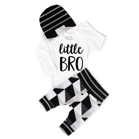 Little BRO newborn outfit black and gray triangle - Gigi and Max