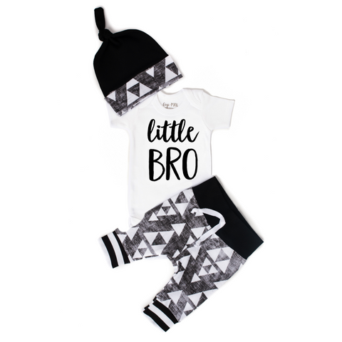 Little BRO newborn outfit organic black and gray triangle - Gigi and Max