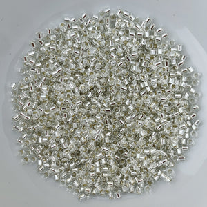 11/0 Delica - S/L Crystal  DB0041 - The Bead N Crystal & Enclave Gems