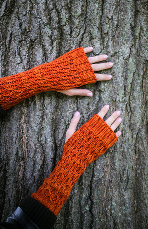 Honeycomb Gauntlet Fingerless Gloves in Pumpkin