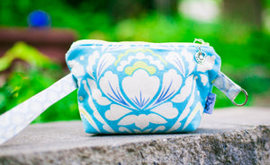 Leash Bag/Wristlet for Training Treats Aqua Taza Medallion