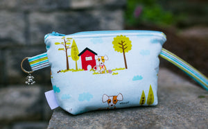 Leash Bag/Wristlet for Training Treats Puppy Time in Blue