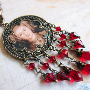 ANNE OF CLEVES Tudor Medallion Necklace