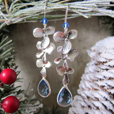 LUMINOUS BLOOMS Earrings in Winter Blue