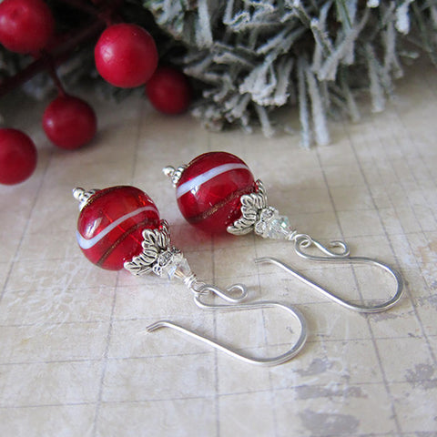 ORNAMENTS Earrings in Cranberry Swirl