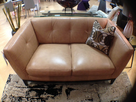 B555 Loveseat