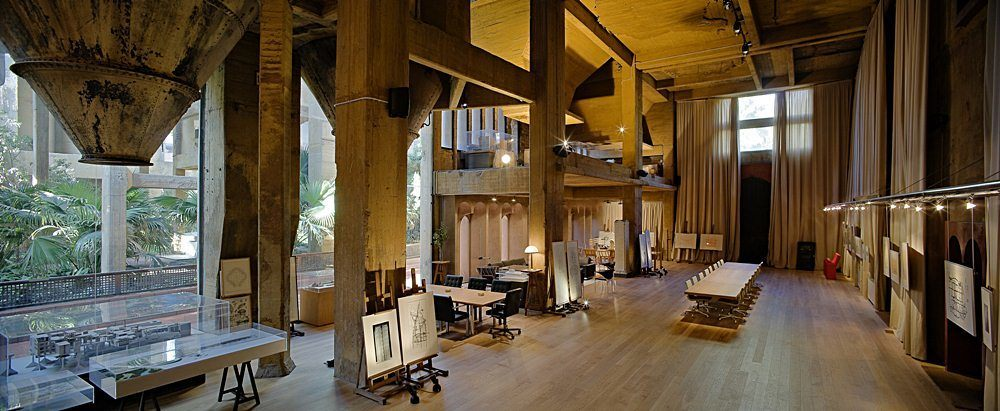 Ricardo-Bofill-cement-factory-house-18