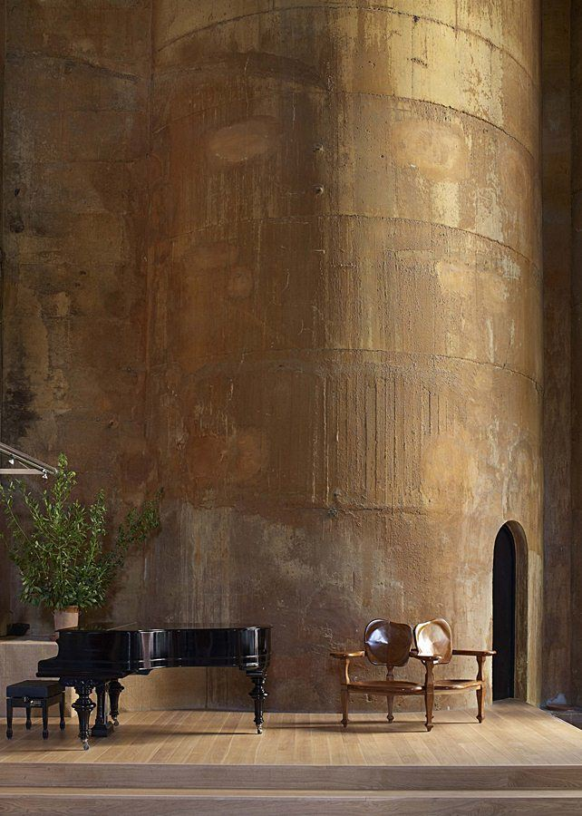 Ricardo-Bofill-cement-factory-house-9