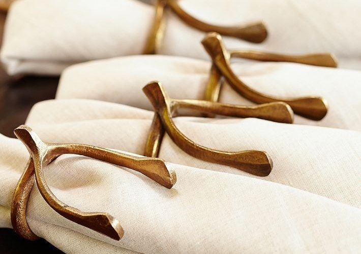 Thanksgiving-Table-Setting-Wishbone-Napkin-rings