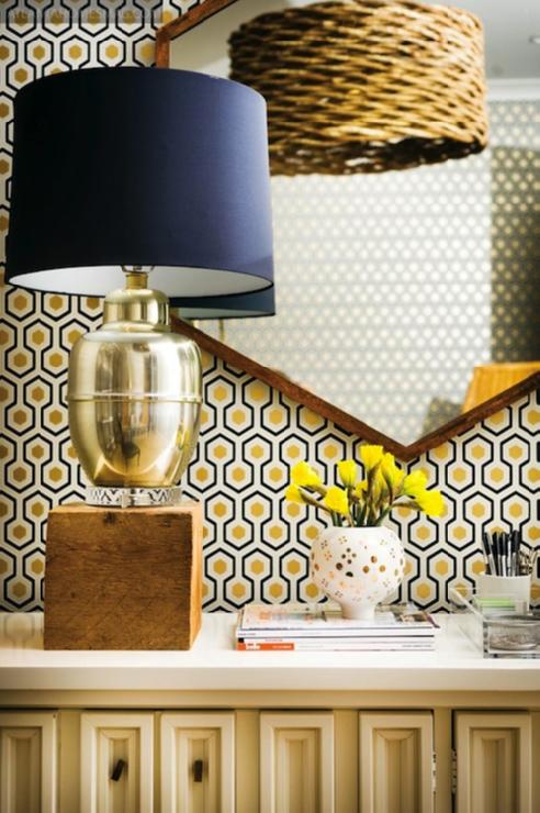 elegant-interior-hexagon-black-and-gold-wallpaper