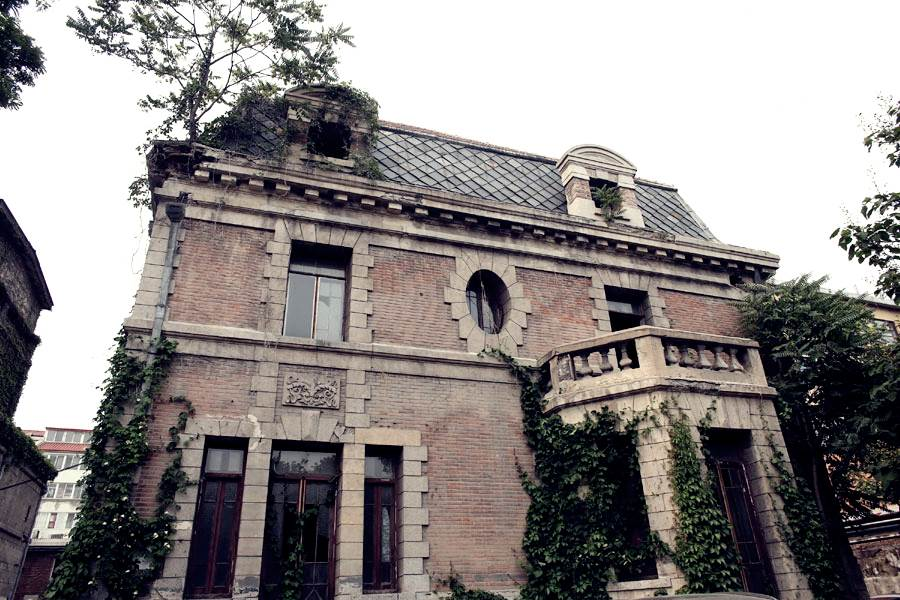 most-beautiful-haunted-houses-in-the-world-beijing