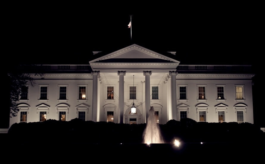 most-beautiful-haunted-houses-in-the-world-white-house