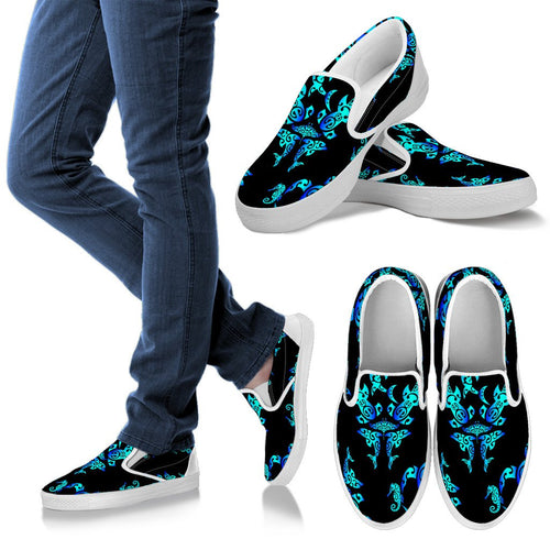 Sea Turtle Polynesian Tribal Hawaiian Men Slip On Shoes