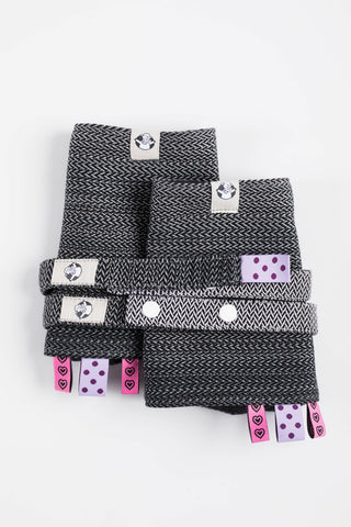 OceanoKidz.com - LennyLamb Drool Pads & Reach Straps Set - Little Herringbone Ombre Grey (60% cotton, 40% polyester)