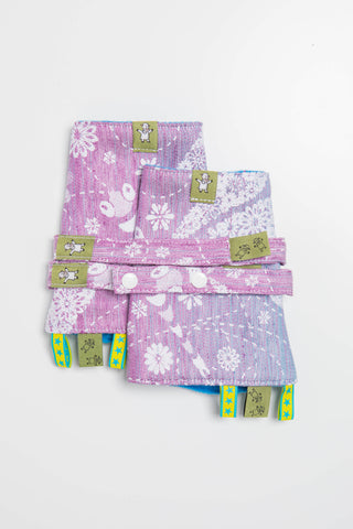 OceanoKidz.com - LennyLamb Drool Pads & Reach Straps Set - Dragonfly Lavender (Outer fabric - 60% cotton, 40% linen; Lining - 100% polyester)