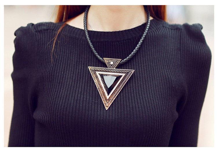New 2017 Hot Pendant Necklace Fashion Chokers Statement Necklaces Triangle Pendants Rope Chain for Gift Party