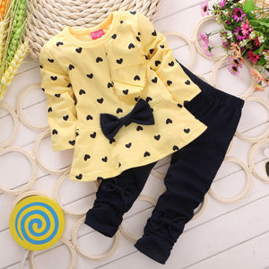 3 Color RED green yellow 2016 Children Baby Girl Heart-shaped Autumn Set Bow 2PCS Clothes Set Suit Top Sweater Pants