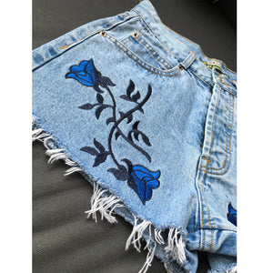 New 2016 Fashion Blue Rose Embroidery Denim Shorts 3D Flower High Waist Jeans Short Femme Summer Casual Female Shorts Plus Size