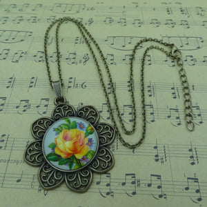 Vintage Rose pattern Necklaces&Pendants Glass Cabochon Bronze Accessories Pendant Necklace Statement Necklace Women Jewelry
