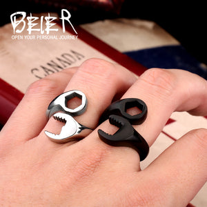 Two colore Black/white Wrench Man rings jewellery Stainless steel ring fashion 2016 fine jewelry