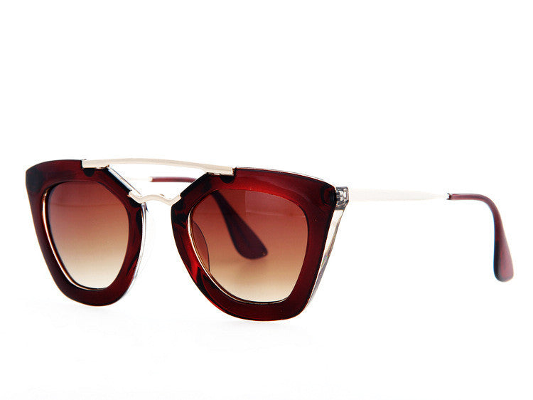 Queen College with caseVintage brand sunglasses