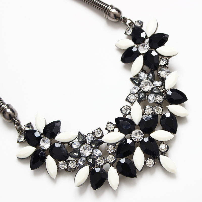2017 Fashion Necklaces For Women Fabric Acrylic Resin Flower Necklace Collar Statement Necklace Pendant