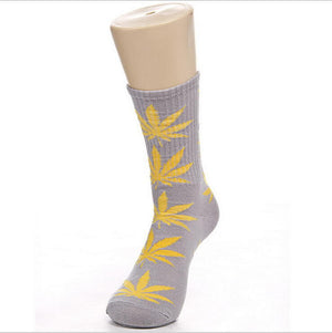 Germany's Harajuku Hiphop Men's Maple Leaf Sock Cotton