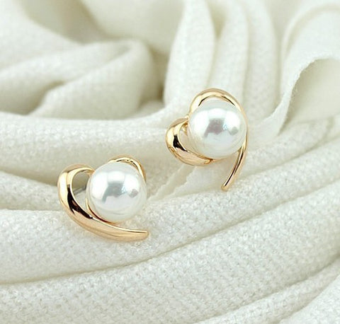 2016 New Fashion Korean Beautiful 18K Gold Plated Shiny Pearl Heart Earring Stud earrings for women