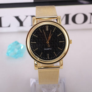 2016 Women Wristwatches with Gold Band