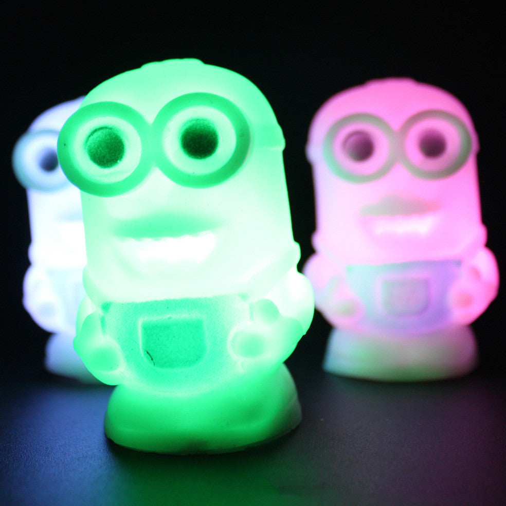 New Lovely Color Changing Colorful Night Light Lamp Despicable Me 2 Minions Figure Toy Colorful Night