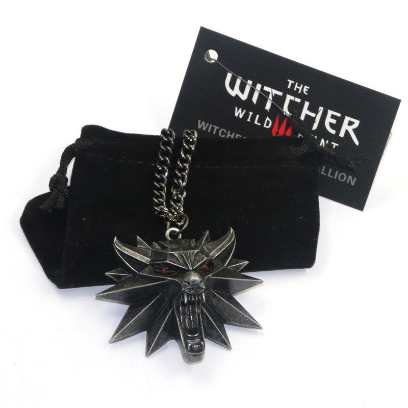 2017 The Witcher 3 Wild Hunt Medallion Pendant Necklace The Wild Hunt 3 Figure Game Wolf Head Necklace With Bag & Card