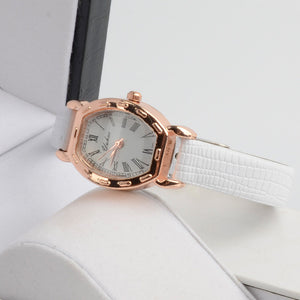 2016 New Arrive Quartz Women Leather Strap Watch