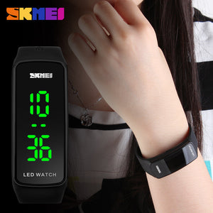 2016 New Fashion Square Dial LED Bracelet Digital Watches