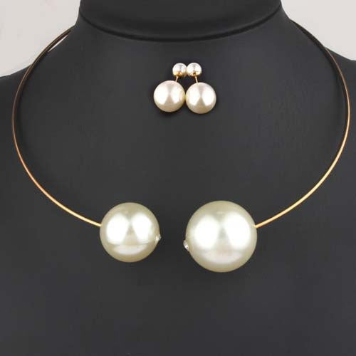 2016 Jewelry Sets Huge Imitation Pearl Necklace and Bangle 2pcs/set Women Vogue with Rhinestone