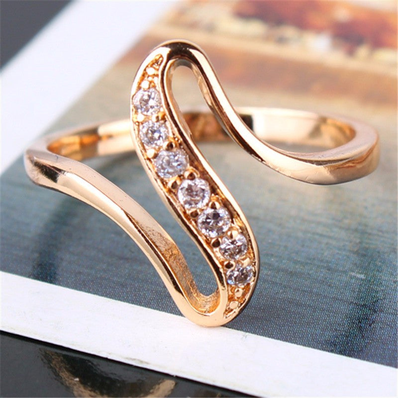 New Design Noble 18k Gold Plated White Crystal CZ Engagement Rings
