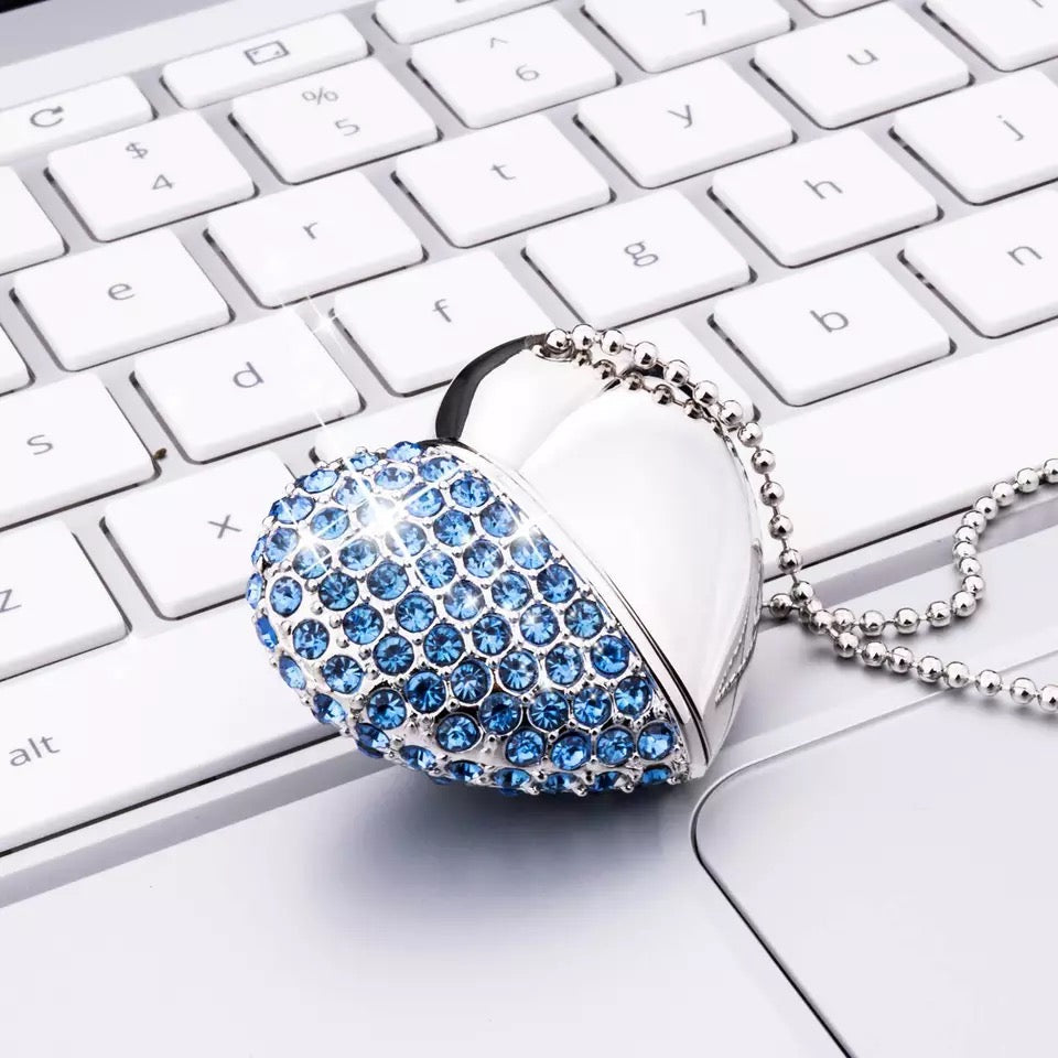 Crystal USB Necklace (32GB)