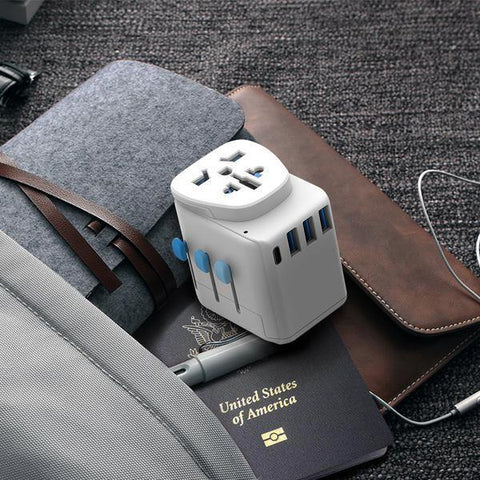 (Clearance) Zendure Passport Pro Resettable Grounded Travel Adapter with USB-C PD Fast Charging - White