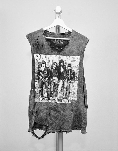 SIC TRUTH RAMONES VINTAGE T-SHIRT