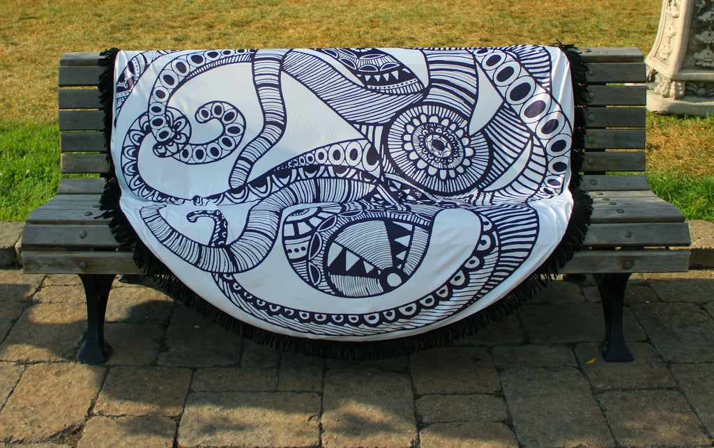 Octopus Graphical Round Beach Throw