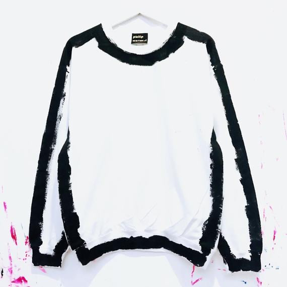 Outline Sweatshirt - Black and White