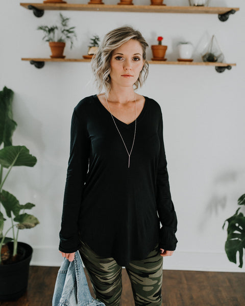 Everyday V-Neck Long Sleeve Tunic - Black