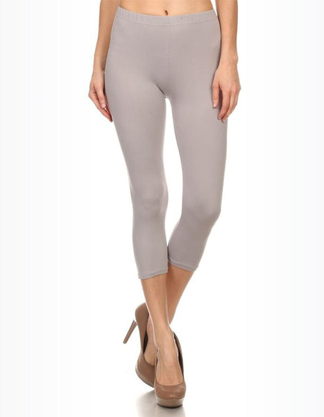 Weekend Warrior Essential Capri Leggings in Light Grey