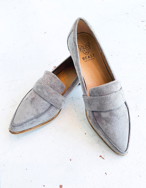 Logan Pointed Loafer in Grey