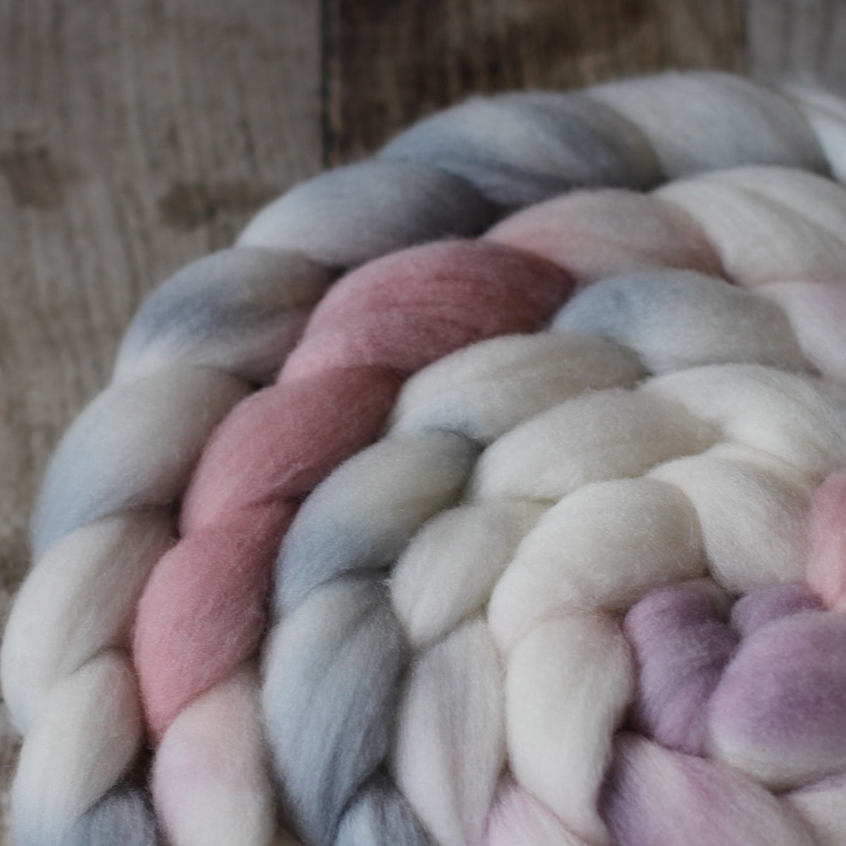 White Gum Wool Yarns and Fibre
