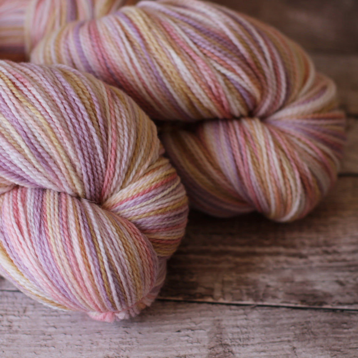White Gum Wool 4ply Yarn - Casper