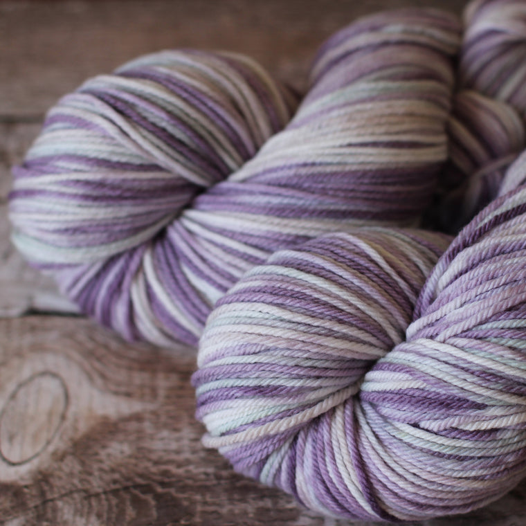 White Gum Wool 8ply Yarn - Charmaine