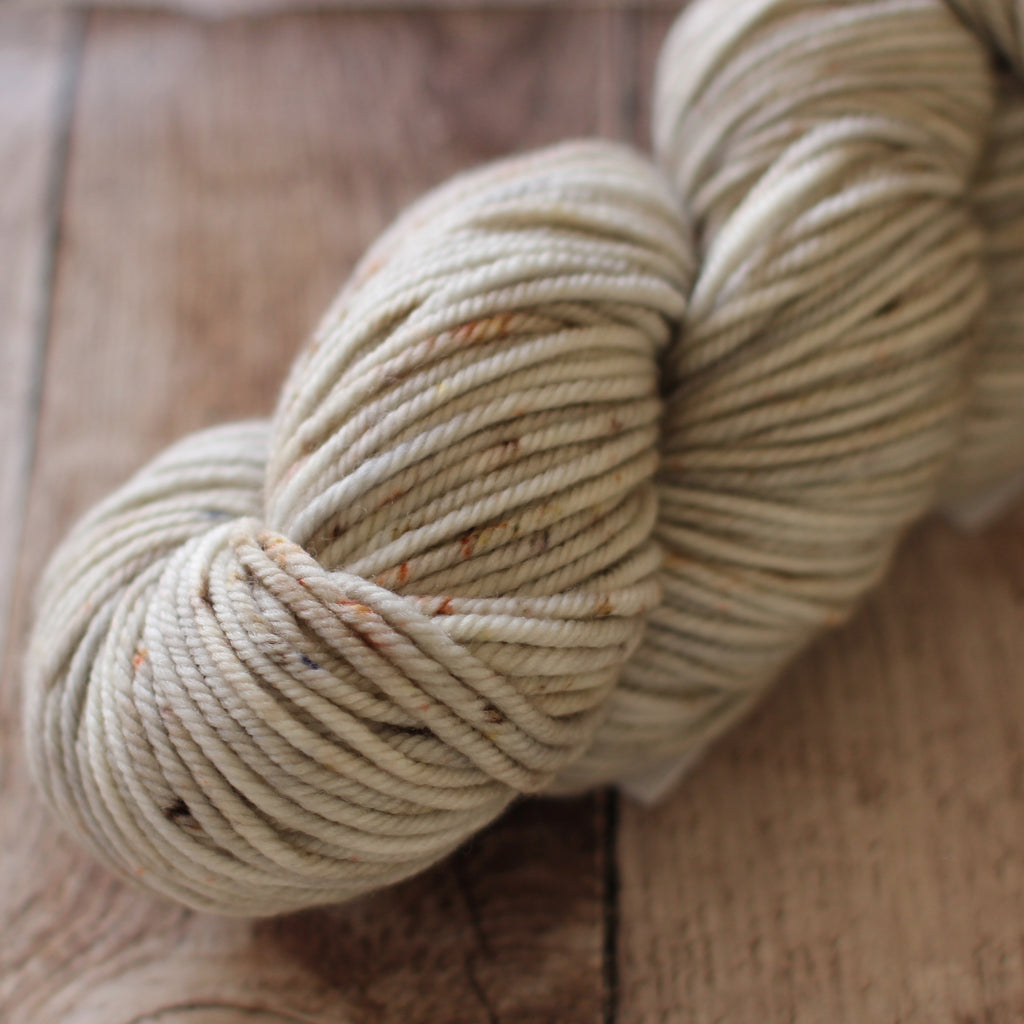 Pickle Chunky / 12ply Yarn - Pastel Brown