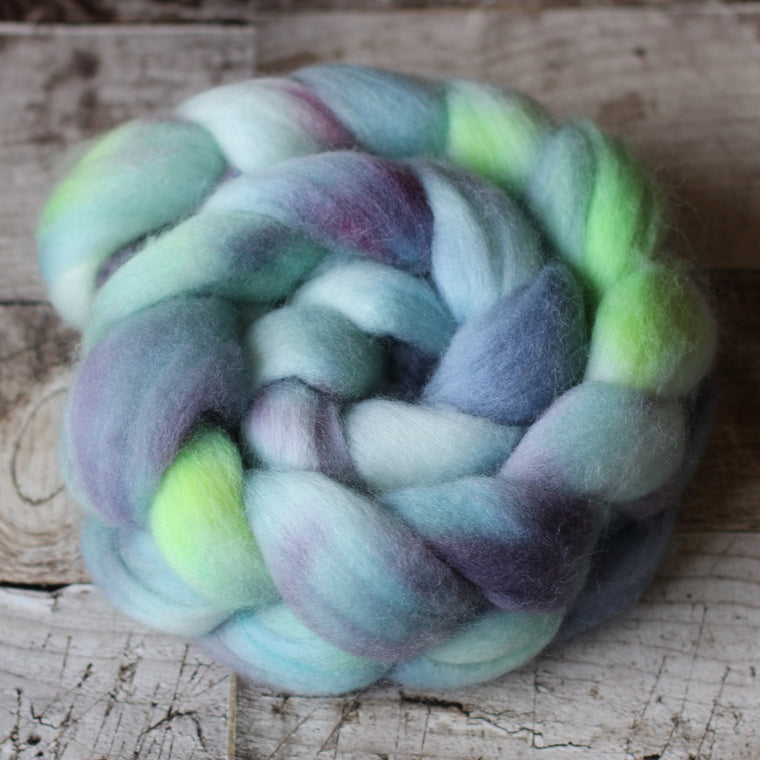 Australian Casteldale Wool Roving / Top - Maggie Island At Night